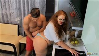 Brazzers Kitchen Fuck with Yola with Yola Filmes and  in Day With A Pornstar