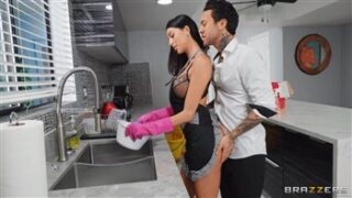 Brazzers Role Reversal with Azul Hermosa and Small Hands in Brazzers Exxtra